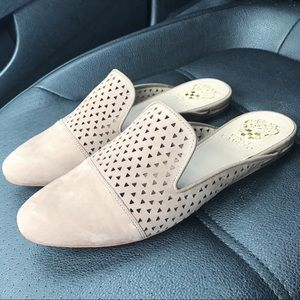 🆕 Vince Camuto Nude Mules