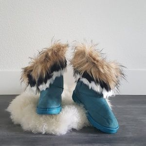 Blue Suede Fur Detailed Winter Boots