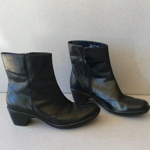 Clarks Artisan black leather booties
