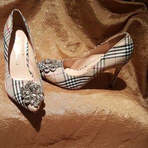 Shoes - Beautiful women's heels 👠