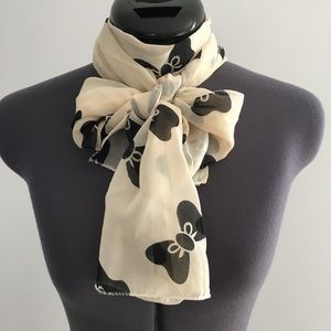 Cream scarf with black bows (AB3)