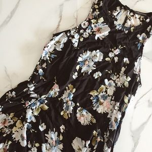 Brandy Melville Floral Swing Dress With Pockets