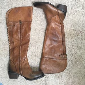 VINCE CAMUTO BROWN BOLLO STUDDED BOOTS 7.5