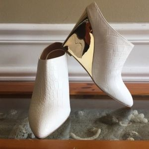 Shoedazzle White Gold Beta Mule Wedge Bootie