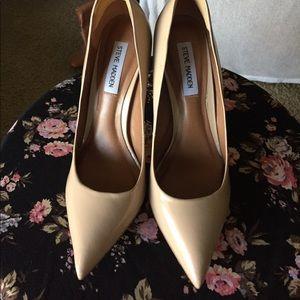 "STEVE MADDEN / ""Proto"" Women's Size 9 Heel"