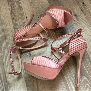 🌸MADISON by SHOE DAZZLE Pink Satin Heels 👠