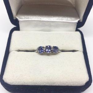 10k White Gold Tanzanite & Diamond Ring Size 7