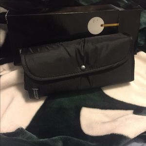Insulated tote bag with gift box