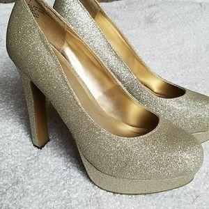 Mossimo gold glitter pumps