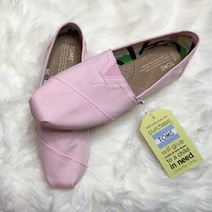 🆕 Woman's TOMS Pink size 7.5 NWT