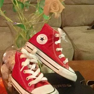 ⭐️🌹Toddler Converse Sneakers⭐️🌹