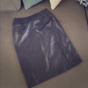 Genuine Leather Apostrophe Pencil skirt.