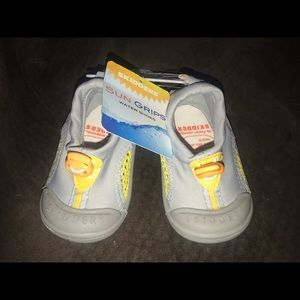 Other - Baby water shoes! SIZE 4