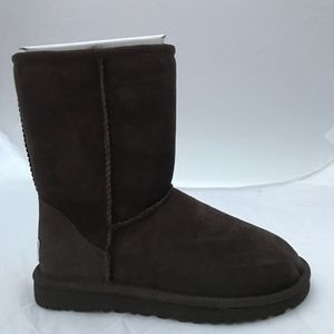 Classic Short UGG Boots-Chocolate