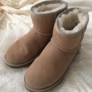 UGG Classic Mini boots color Sand