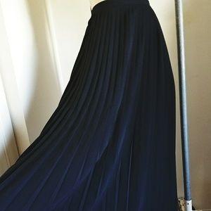 Stunning 1980S pleated maxi skirt
