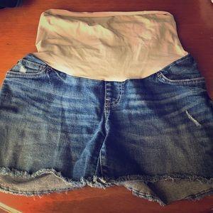 Maternity shorts