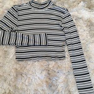 Stripe long sleeve crop top