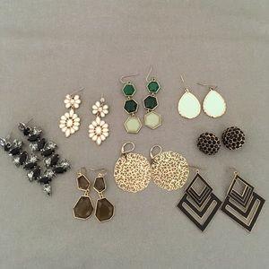 Earrings bundle of 8 pairs