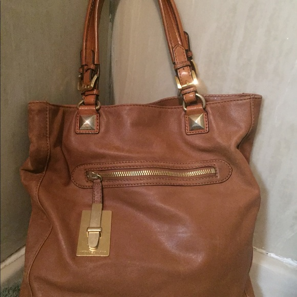 MIchael Kors Vintage Cognac Leather Tote Handbag. M 59e7cc31eaf030add50a5af2 6ddd1f2d55b9c