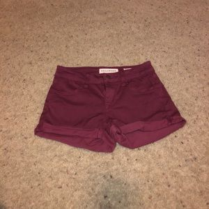• burgundy shorts •