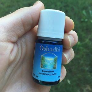oshadi 100% sandalwood AGD oil 1 ml
