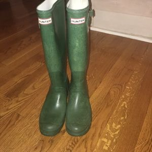 Green hunter boots, tall