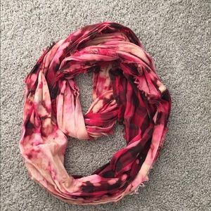 Urban Outfitters Edgy Red & Black Infinity scarf