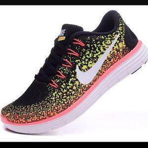 NWOB Nike Free Run Lunarl Lava Running shoes 8.5