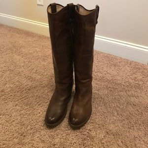 Frye Jackie Button Boots in chocolate size 9.5