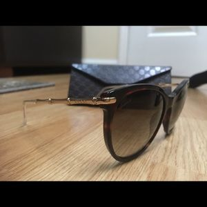 Gucci Sunglasses with Gucci Leather Case