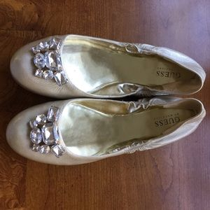 GUESS Beige Touch of Gold  Ballet Flats 9M Shoes.