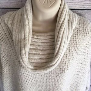 Jennifer lopez ivory cowl neck Knit sweater Medium
