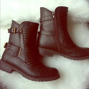 Stylish Dark Brown Ankle Boots