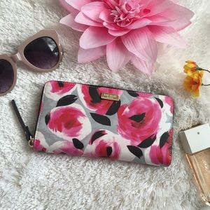 🌸OFFERS?🌸Kate Spade Floral Zip Around Wallet