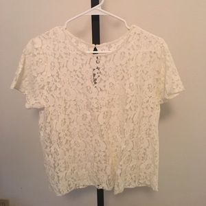Lace top. White.