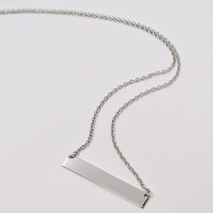 Jewelry - White gold bar necklace