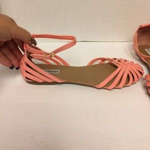 Steve Madden peach/coral sandals