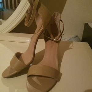 Brand new!!!! Kelly & Katie pumps