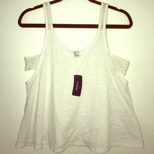 Forever 21 • White • Crop-Top