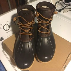 Sperry tan/brown duck boots