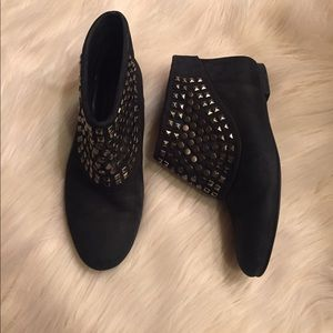 ZARA WOMAN CHARCOAL GRAY STUDDED ANKLE BOOTS