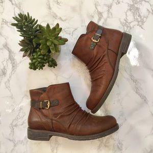 Baretraps Callahan ankle boots