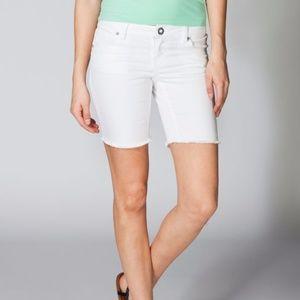 Tilly's Volcom Skinny Bermuda Shorts White Sz 0