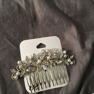 Silver Bridal Hair Comb with Pearls and Crystals