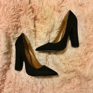 Block heel pointed toe pumps