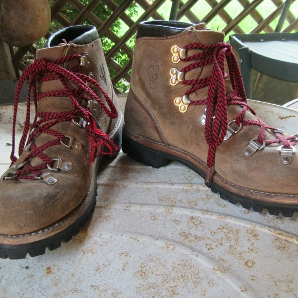 VINTAGE VASQUE RED LACE HIKING BOOTS SUEDE LEATHER
