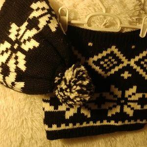 Winter set ! Black and white snowflake winter gear