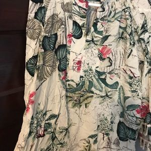 Flowery blouse with cool tassel sleeves