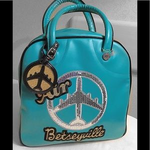 Air Betseyville Tote/bowler tote style bag..